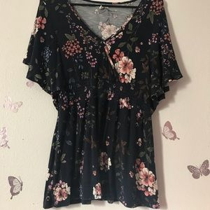 Maurice's Floral blouse size small Navy blue